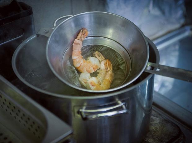 Фото №2 - Рецепт недели: рисовая тайская лапша с креветками