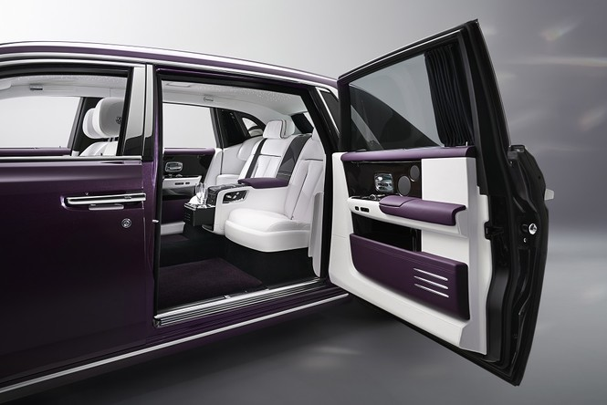 Фото №11 - Rolls-Royce Phantom VIII: представлен самый роскошный автомобиль от начала времен