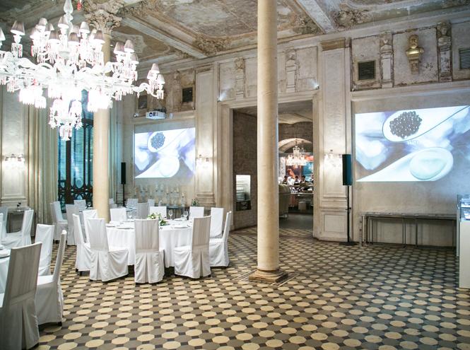 Фото №18 - Выбор Marie Claire: икорница la prairie Caviar Spectaculaire