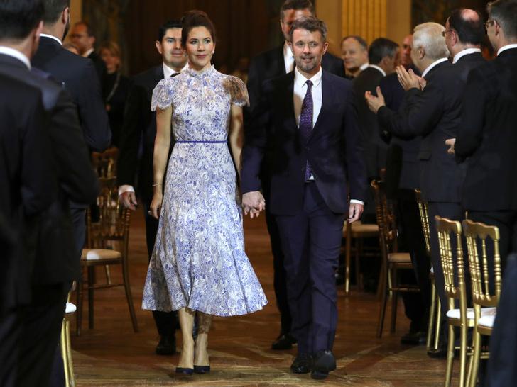 Фото №3 - Меган на заметку: «датская Кейт Мидллтон» и ее новые модные победы