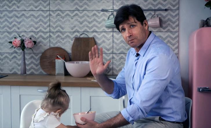 Фото №1 - Самый важный навык для отцов: новый выпуск YouTube-шоу «Альфа-отец» знакомит с крутой психотехникой