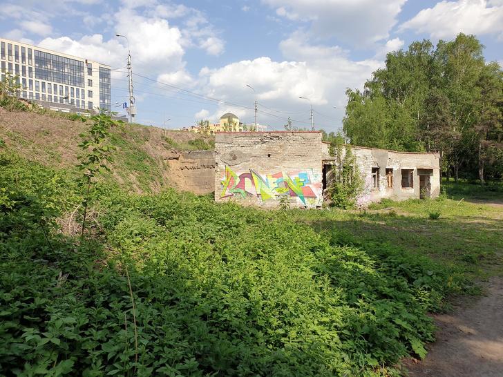 Фото №1 - В Новосибирске выставили на продажу часть набережной с туалетом