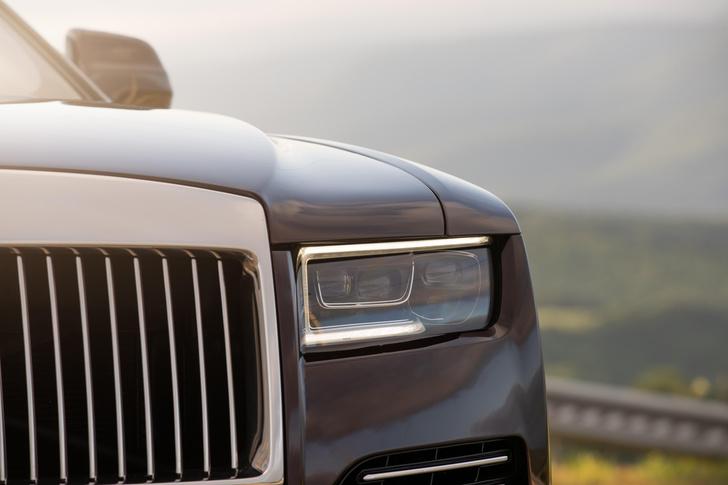 Фото №6 - Ти-ши-на! 10 важных фактов о новом Rolls-Royce Ghost