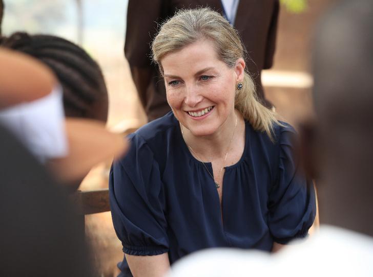 Фото №1 - Промах Софи: «любимая невестка Королевы» нарушила протокол в туре по Южной Африке