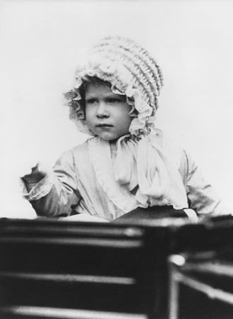 Фото №7 - Ее мини-Величество: феноменальное сходство принцессы Шарлотты с Елизаветой II