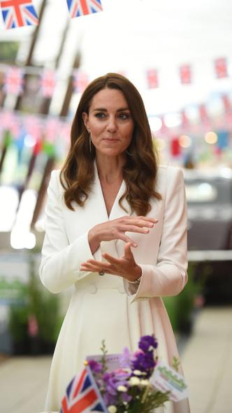 Фото №2 - Любимое украшение Кейт из коллекции Дианы (спойлер— это не помолвочное кольцо)