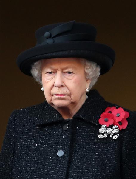 Фото №1 - Елизавета II переживает еще одну смерть
