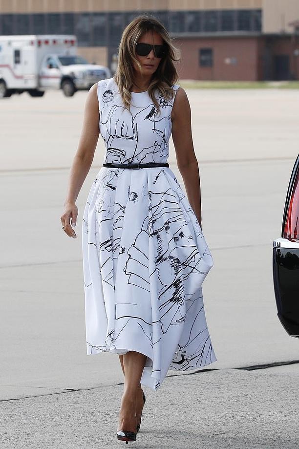 Фото №2 - Мелания Трамп в платье Alexander McQueen, которое, возможно, расписали российские редакторы ELLE