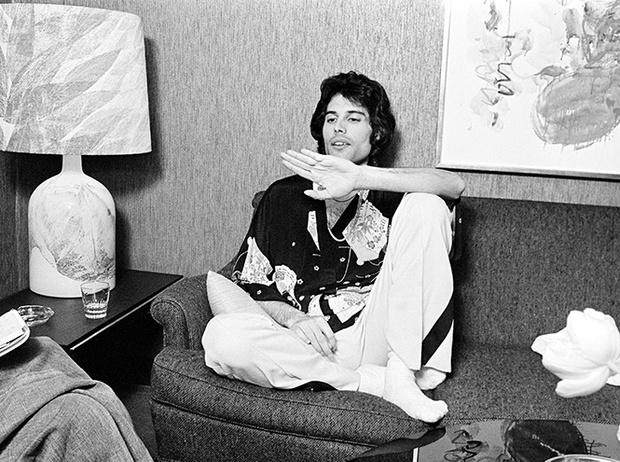 Фото №11 - Вечеринка с принцессой Дианой и лама Майкла Джексона: истории о Фредди Меркьюри, не рассказанные в «Богемской рапсодии»