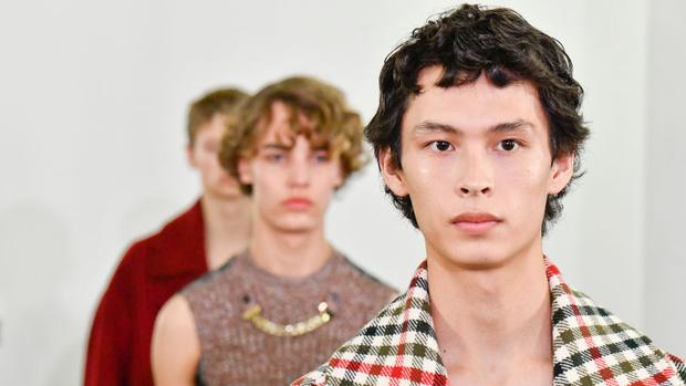 Фото №1 - 5 лучших шоу на Неделе мужской моды в Париже