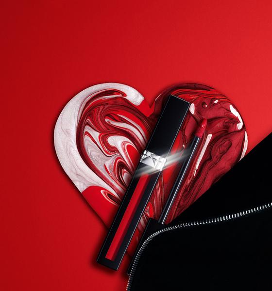 Фото №2 - Глубокий черный и матовый металлик: Dior завораживает новыми губными помадами