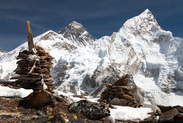 Фото №1 - Эверест в 2015 году побил рекорд по количеству погибших на подступах к вершине
