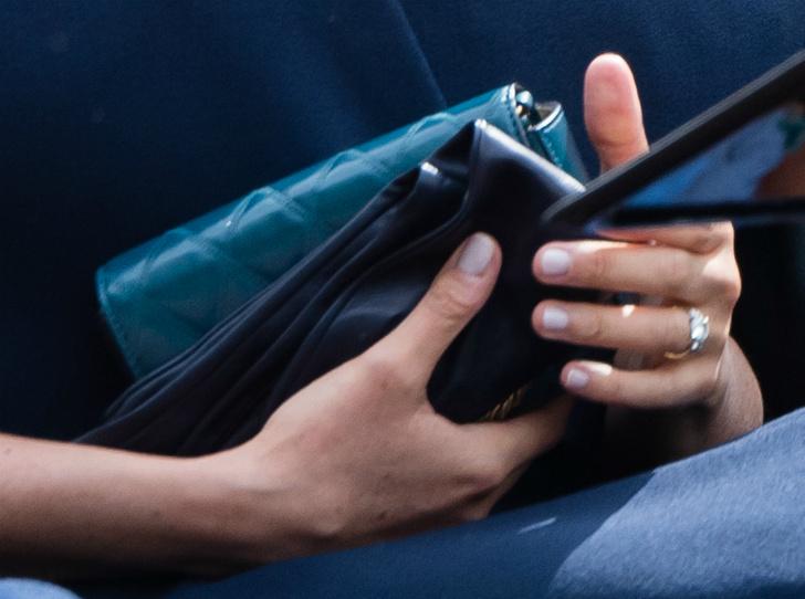 Фото №3 - Герцогиня Меган изменила дизайн помолвочного кольца