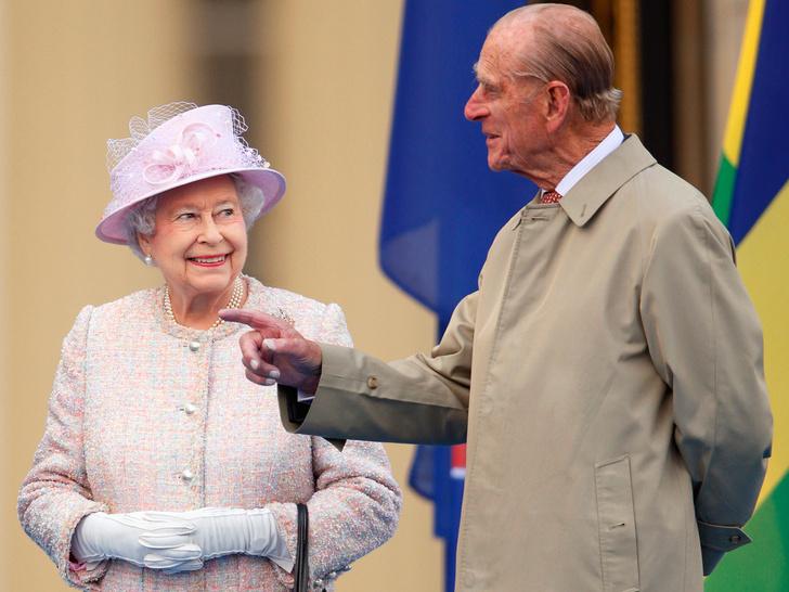 Фото №1 - 8 правил этикета, которые должен соблюдать каждый член королевской семьи
