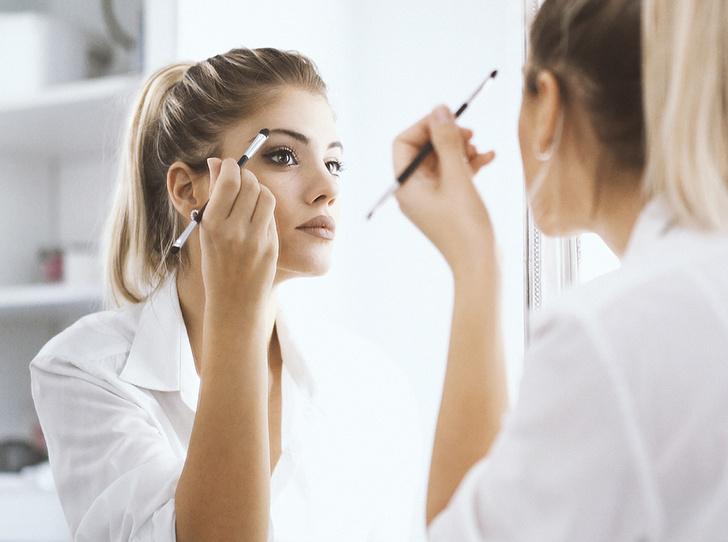 Фото №1 - 6 кистей для макияжа, которые должны быть у каждой девушки