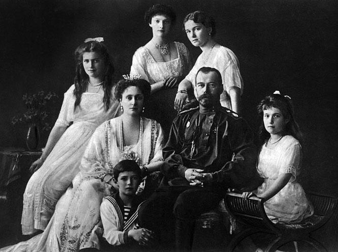 Фото №2 - Проклятие дома Романовых: как российская лже-царица предсказала страшный конец династии