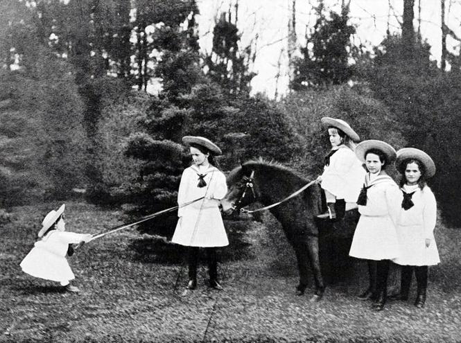 Фото №3 - Милые и забавные архивные фото царской семьи Романовых
