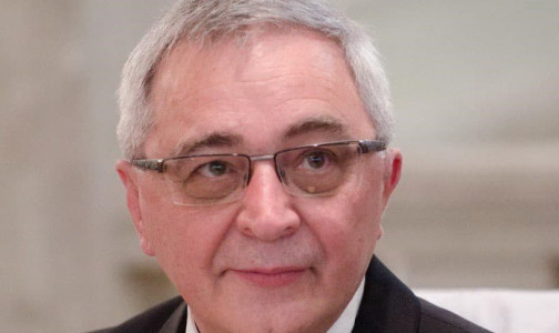 Фото №1 - От COVID-19 умер легендарный петербургский врач Али Баиров