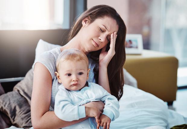 Фото №1 - Депрессия после родов: 5 глупых мифов, в которые все еще верят