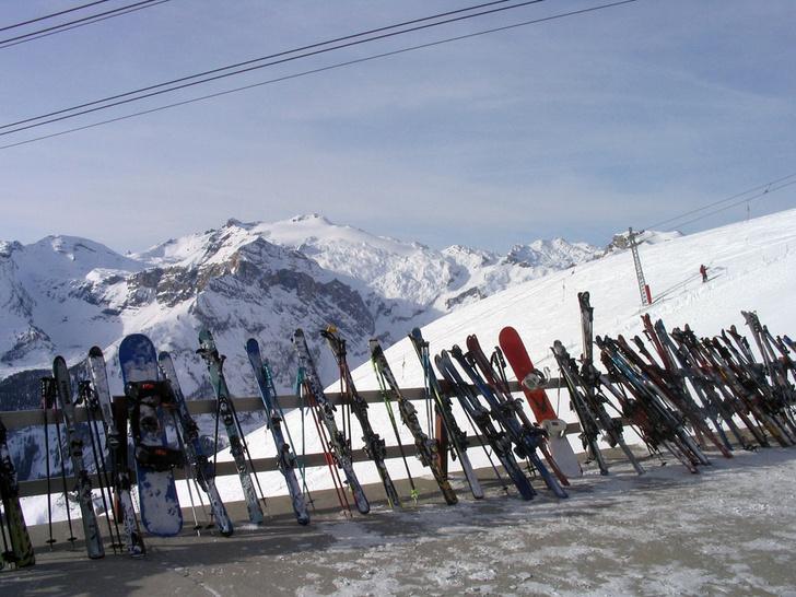 Фото №1 - На горнолыжных курортах Швейцарии не хватает снега
