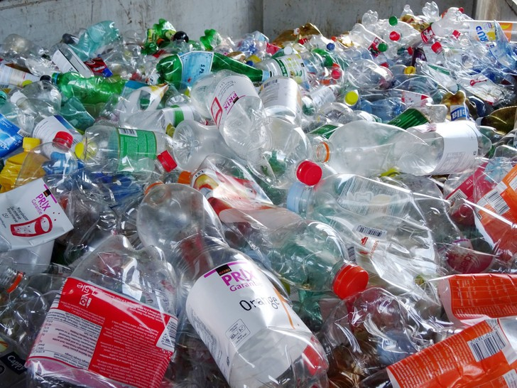 Фото №1 - Найден способ быстрого расщепления пластика