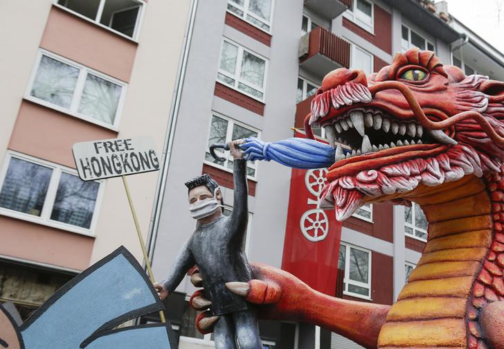 Фото №1 - Жителям Гонконга раздадут по 1200 долларов для поддержки экономики, пострадавшей от коронавируса
