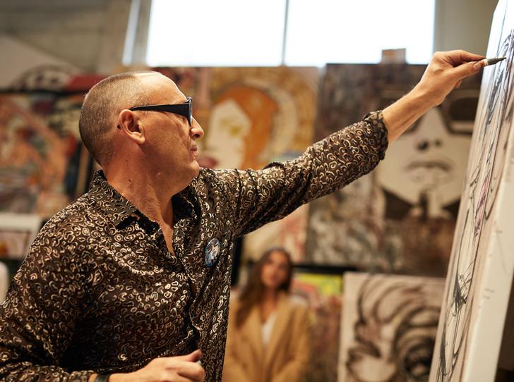 Фото №2 - Из любви к искусству: как художник превратил часы в арт-объект