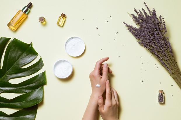 Фото №1 - Защита и питание: тестируем кремы для рук