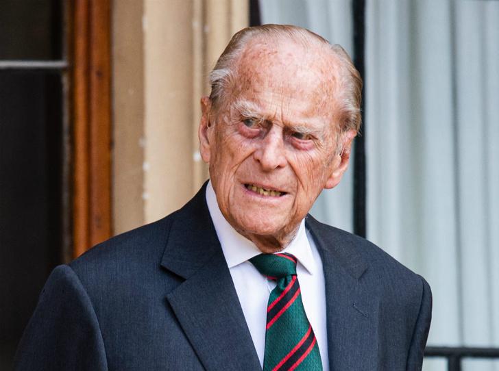 Фото №1 - Особая причина, по которой принцу Филиппу придется вернуться к королевским обязанностям