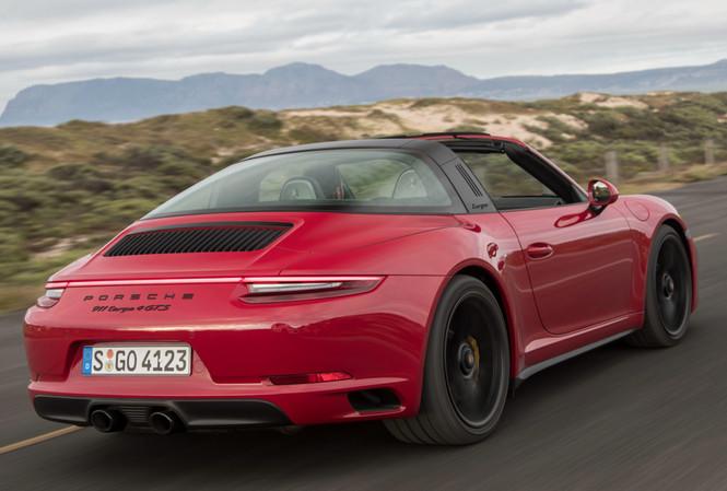 Фото №2 - Что значит надпись GTS на Porsche 911?