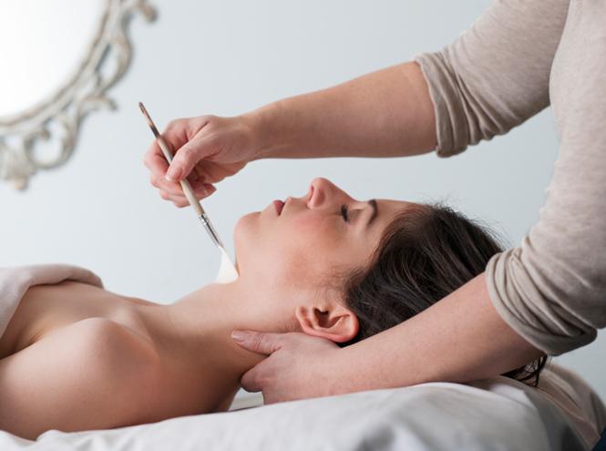 Фото №14 - Лебединая шея (и красивый бюст): как выбрать свой крем и правильные салонные процедуры