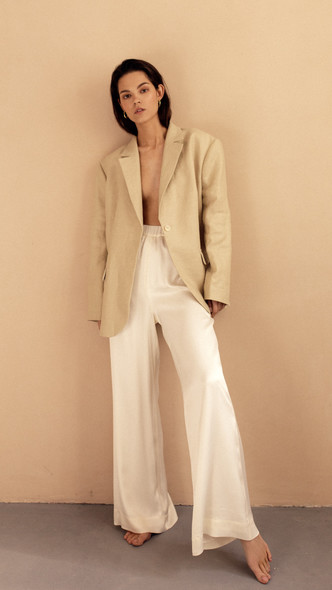 Фото №15 - В полном объеме: как носить вещи oversize