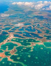 Фото №1 - Где находится самый крупный в мире атолл?