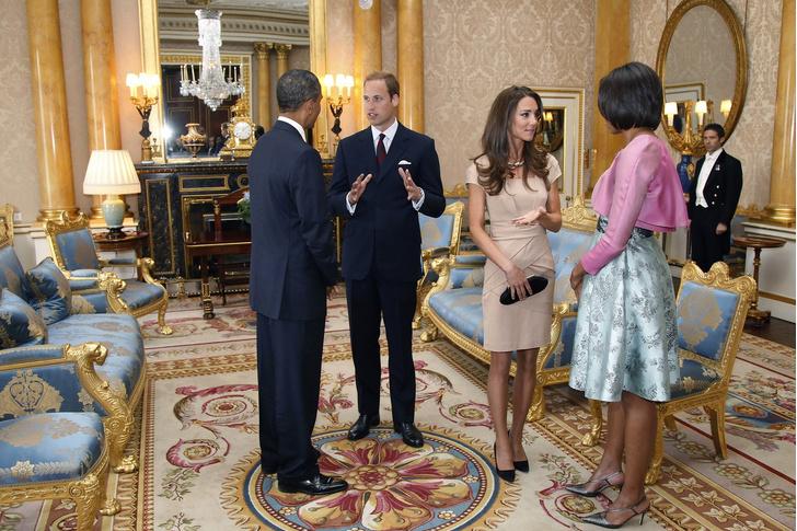 Фото №8 - Жизнь по протоколу: что нельзя делать женам президентов