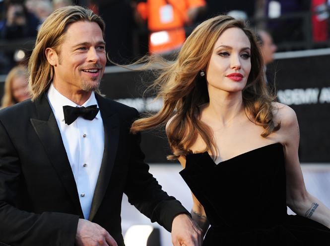 Фото №1 - Астропсихолог: разведутся или нет Анджелина Джоли и Брэд Питт