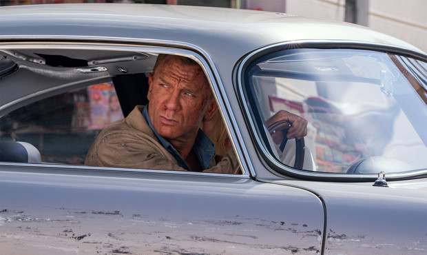 Фото №1 - Вышел полный трейлер фильма о Джеймсе Бонде «Не время умирать»