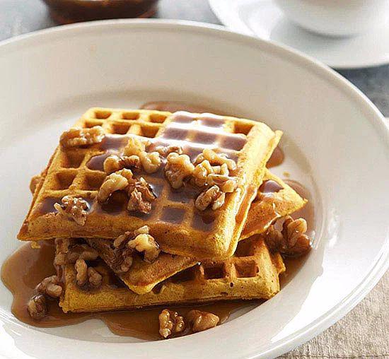 Фото №2 - Сладкий перекус, от которого невозможно отказаться: 7 рецептов вафель на любой вкус