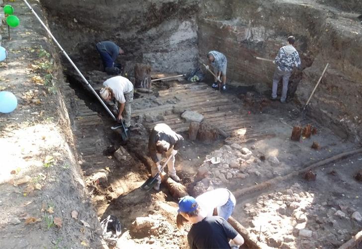 Фото №1 - Археологи обнаружили в районе Китай-города древнейшую улицу Москвы