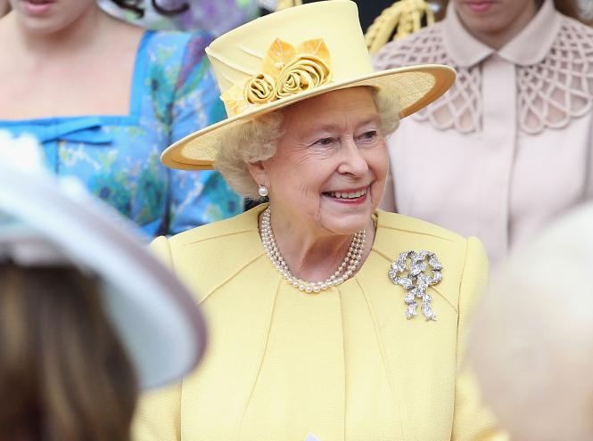 Фото №12 - Королевские драгоценности: самые роскошные украшения Елизаветы II