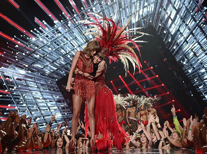 Фото №1 - Подробности церемонии VMA 2015 в Лос-Анджелесе