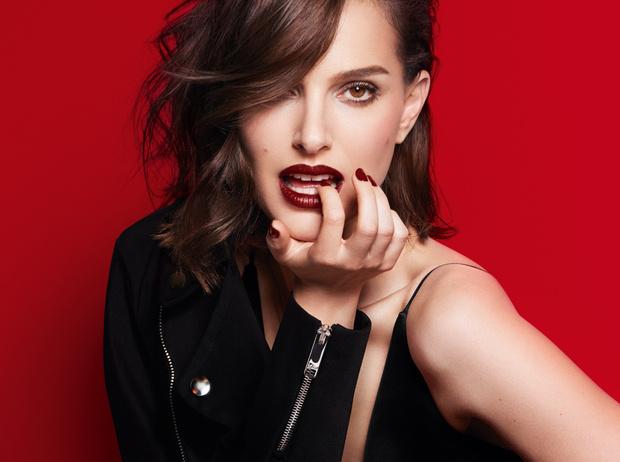 Фото №1 - Глубокий черный и матовый металлик: Dior завораживает новыми губными помадами