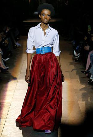 Фото №3 - Как носить блузку в холода: мастер-класс от Carolina Herrera