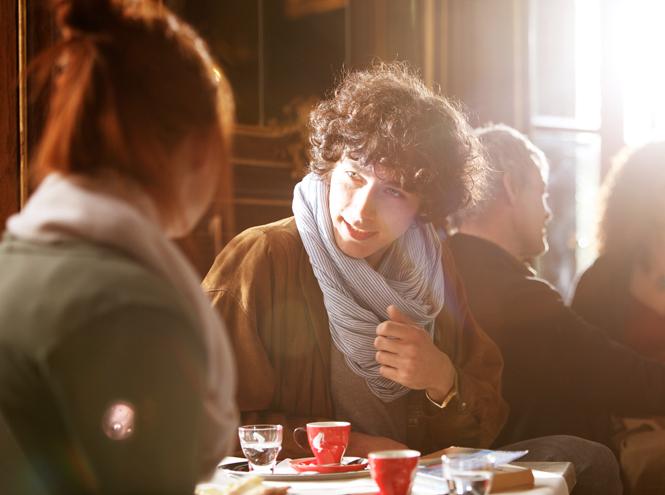 Фото №6 - «Поэзия сближает»: Юлиус Майнл предлагают обменять кофе на чувства