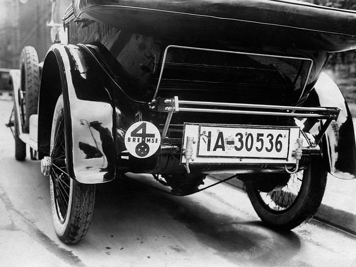 Фото №2 - Что в номере тебе моем: краткая история автомобильных регистрационных знаков