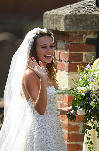 Фото №10 - Меган Маркл и принц Гарри на свадьбе друзей