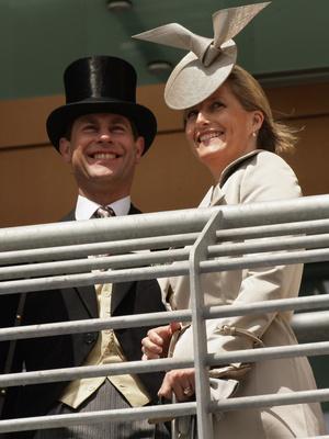Фото №3 - Почему брак принца Эдварда оказался самым крепким среди браков детей Королевы