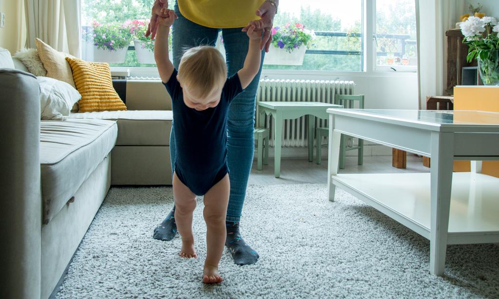 Учим малыша ходить: 8 волшебных упражнений