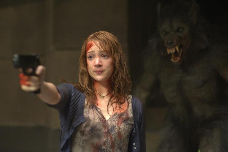 Фото №1 - 7 правил, которые помогут тебе выжить в фильме ужасов