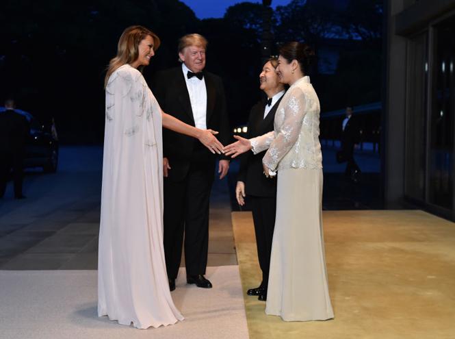 Фото №2 - Мелания Трамп стала звездой вечера в Императорском дворце Японии