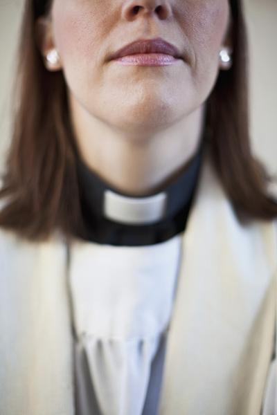 Фото №3 - Женщина в белом: почему в Швеции большинство священников - молодые женщины